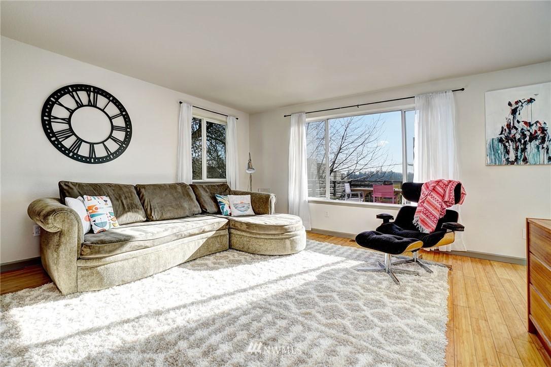 Sold Property   4134 32nd Avenue SW Seattle, WA 98126 8