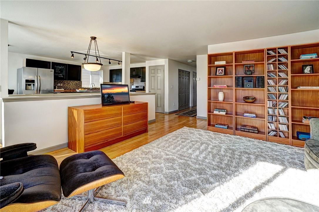 Sold Property   4134 32nd Avenue SW Seattle, WA 98126 10