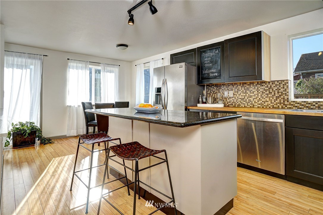 Sold Property   4134 32nd Avenue SW Seattle, WA 98126 11