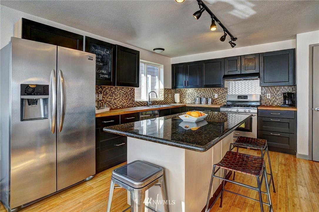 Sold Property   4134 32nd Avenue SW Seattle, WA 98126 14