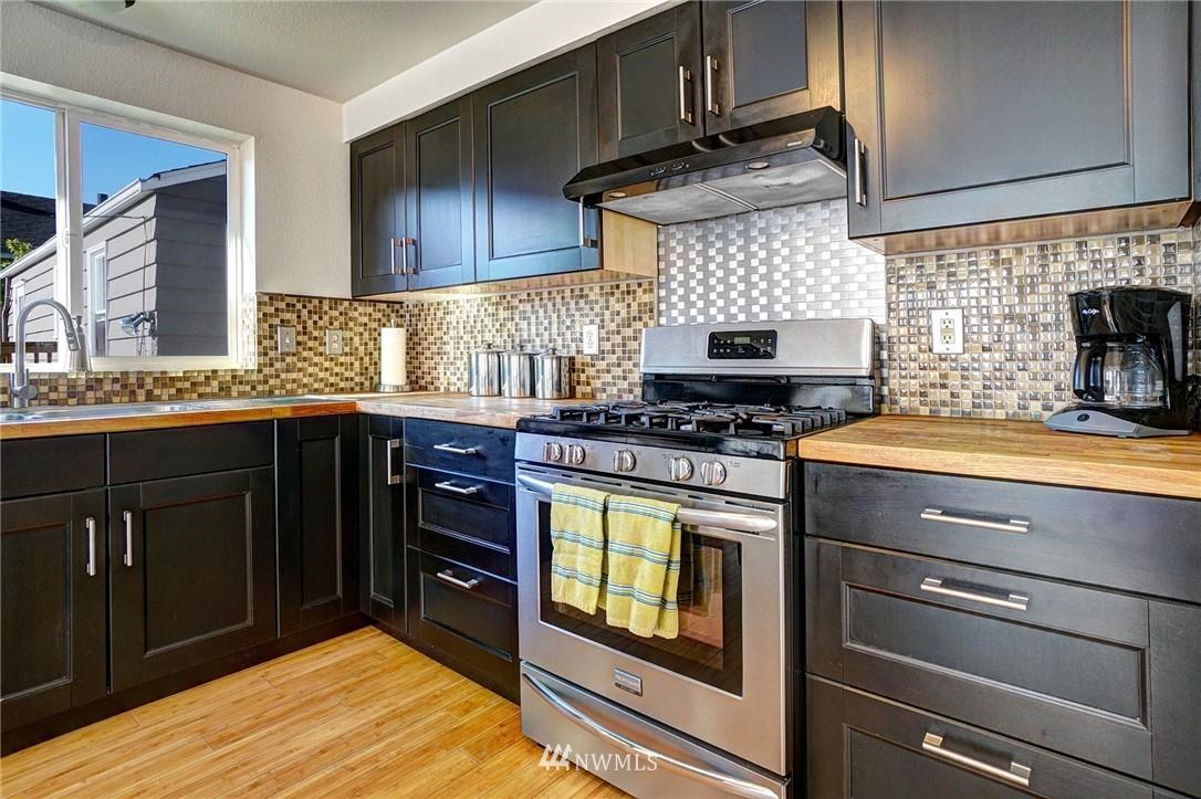 Sold Property   4134 32nd Avenue SW Seattle, WA 98126 15