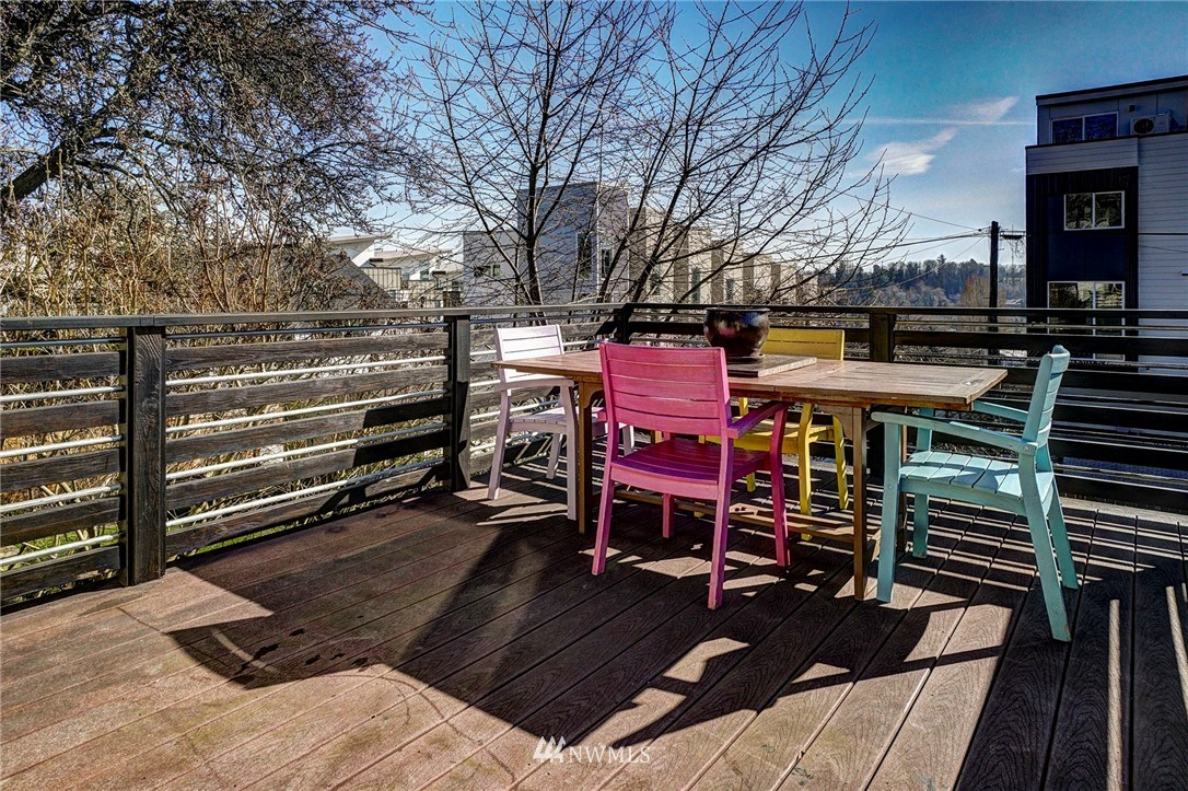 Sold Property   4134 32nd Avenue SW Seattle, WA 98126 16