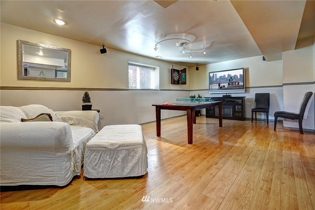 Sold Property   4134 32nd Avenue SW Seattle, WA 98126 18