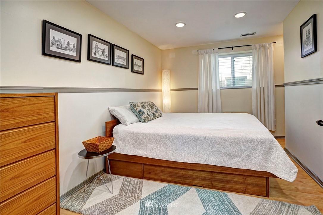 Sold Property   4134 32nd Avenue SW Seattle, WA 98126 21