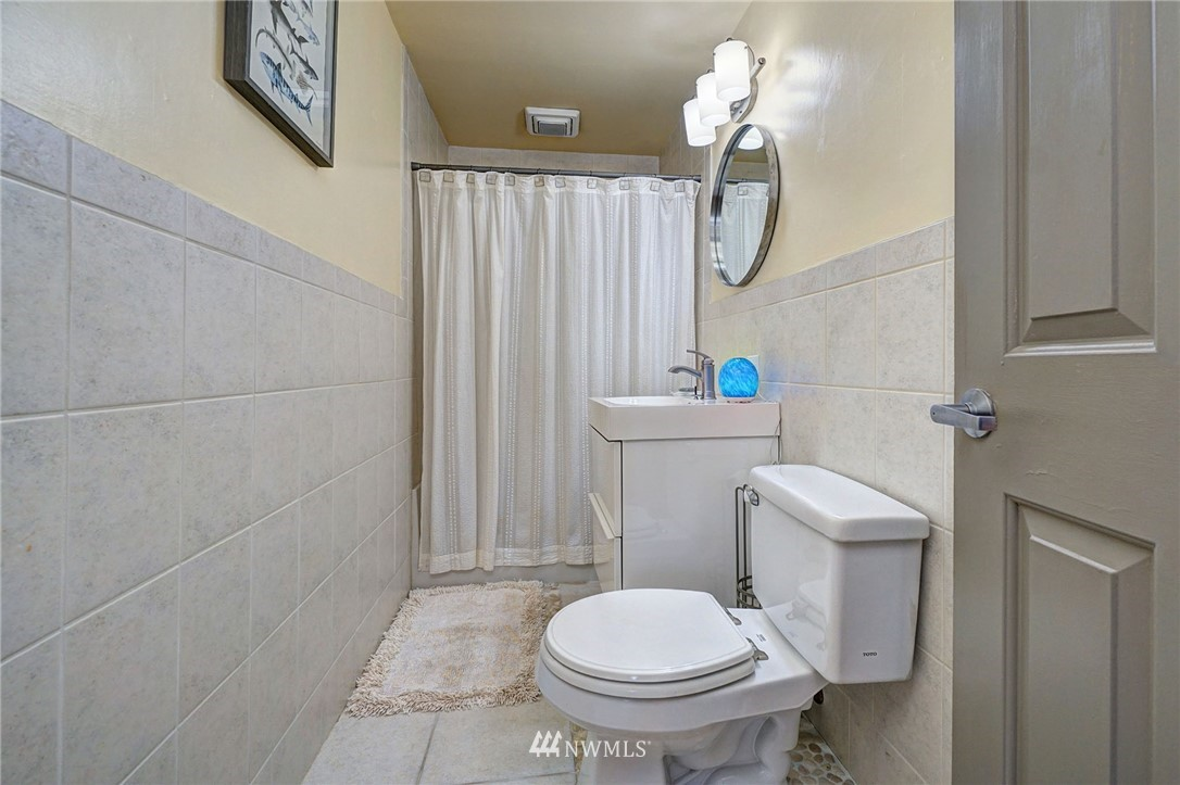 Sold Property   4134 32nd Avenue SW Seattle, WA 98126 22