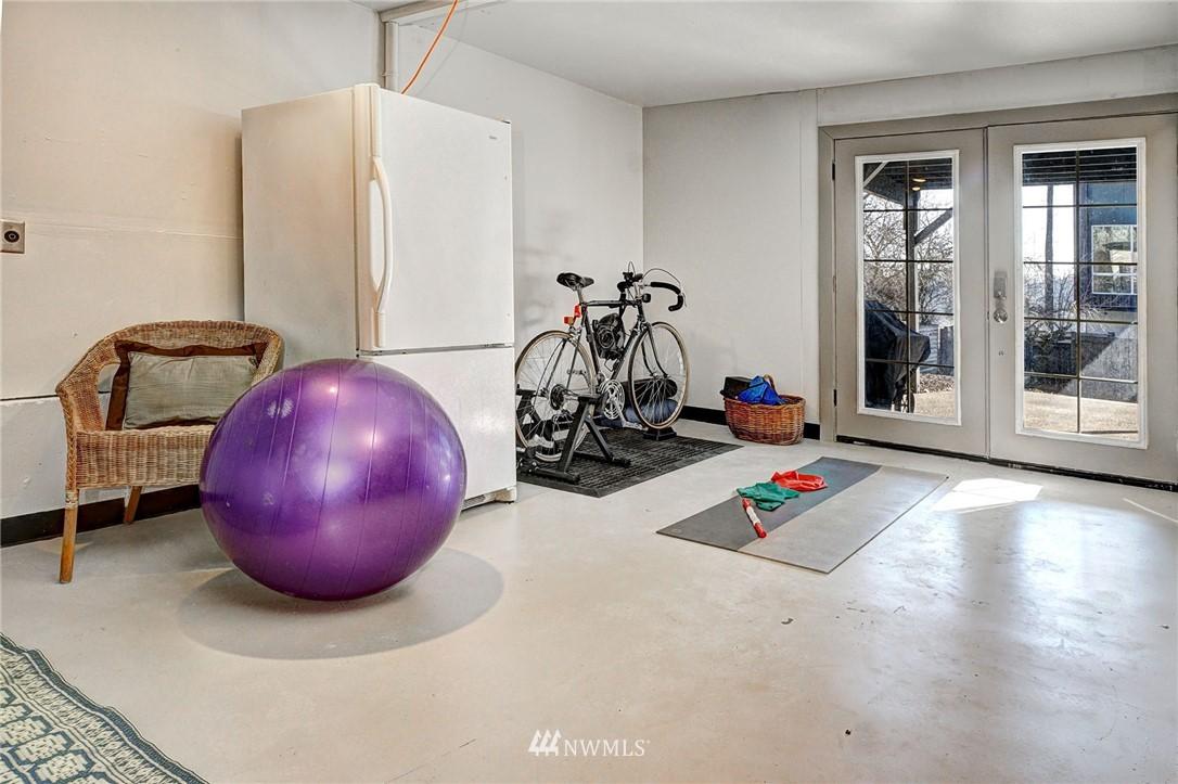 Sold Property   4134 32nd Avenue SW Seattle, WA 98126 24