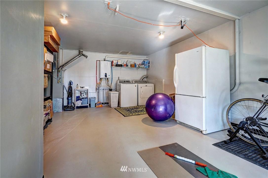 Sold Property   4134 32nd Avenue SW Seattle, WA 98126 25