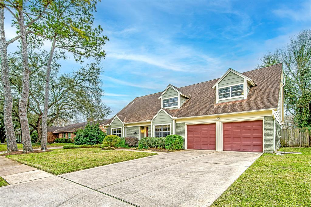Pending | 6023 Beaudry Drive Houston, Texas 77035 2