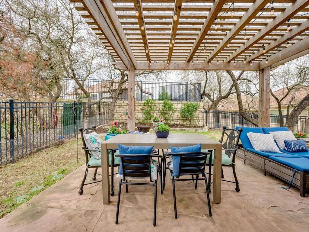 Pending | 12208 Fairway Cove Austin, TX 78732 4