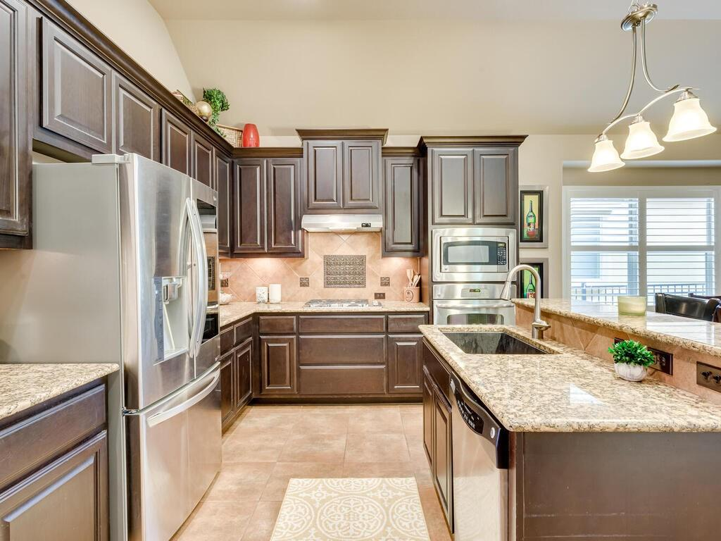 Pending | 12208 Fairway Cove Austin, TX 78732 10