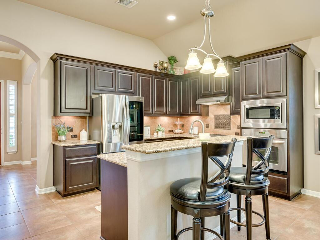 Pending | 12208 Fairway Cove Austin, TX 78732 11