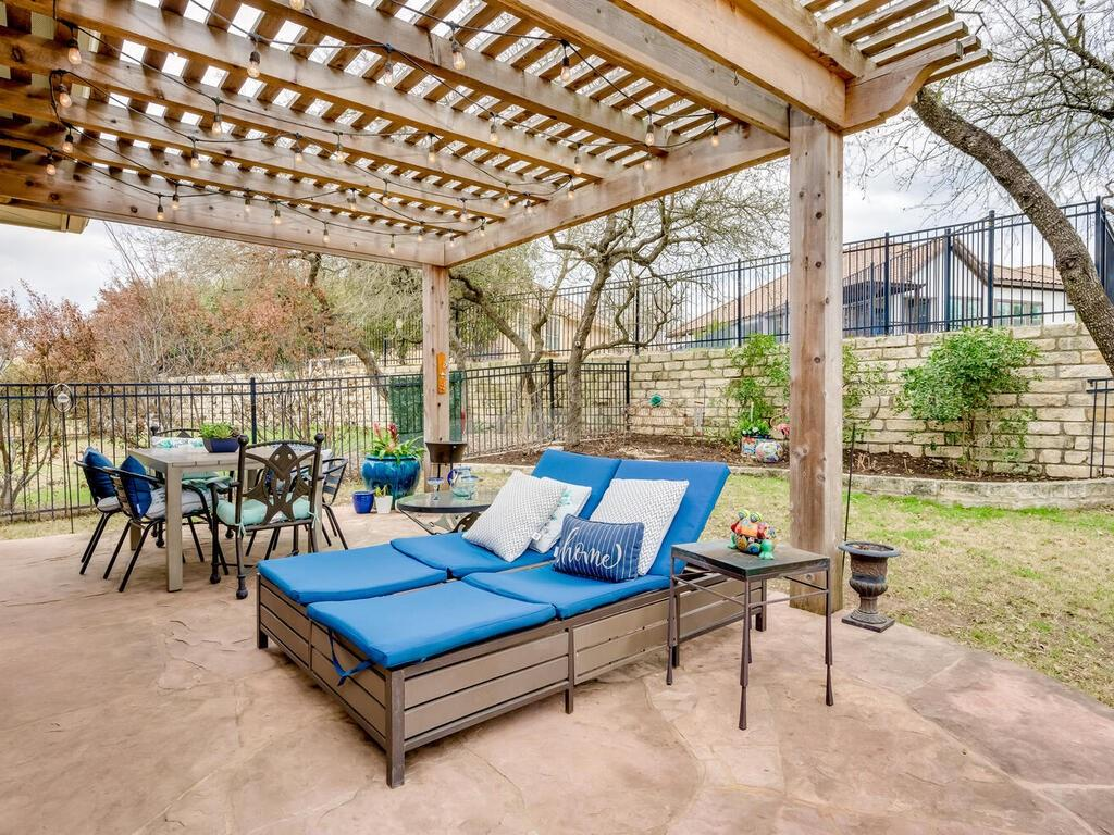 Pending | 12208 Fairway Cove Austin, TX 78732 34