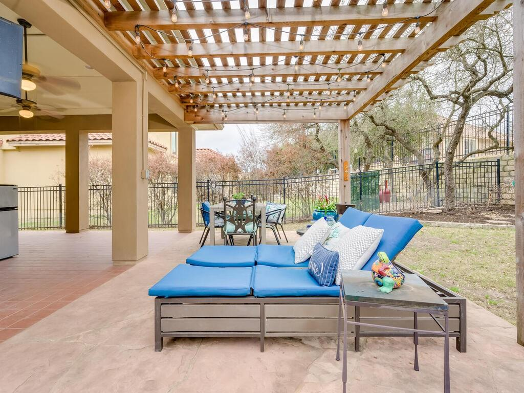 Pending | 12208 Fairway Cove Austin, TX 78732 37