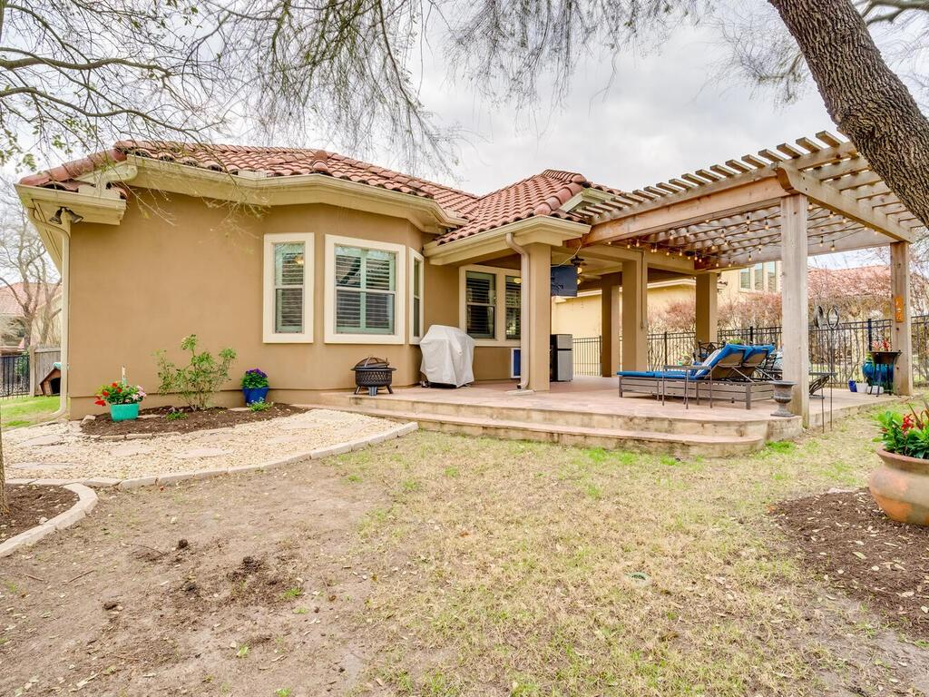 Pending | 12208 Fairway Cove Austin, TX 78732 39