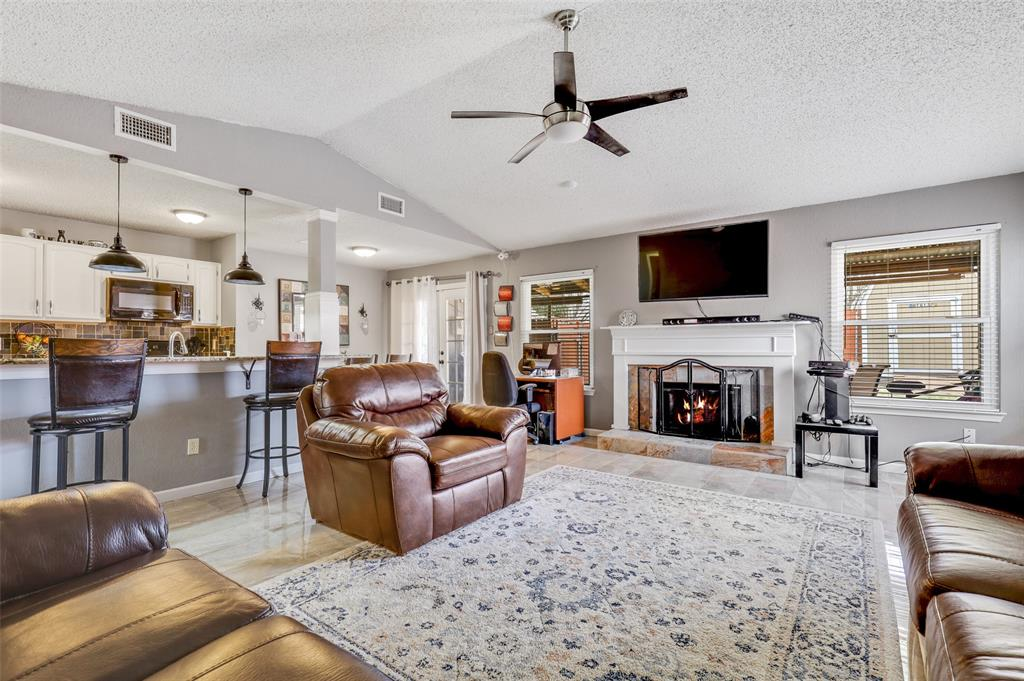 Sold Property | 2409 Highmont Drive Garland, Texas 75041 3