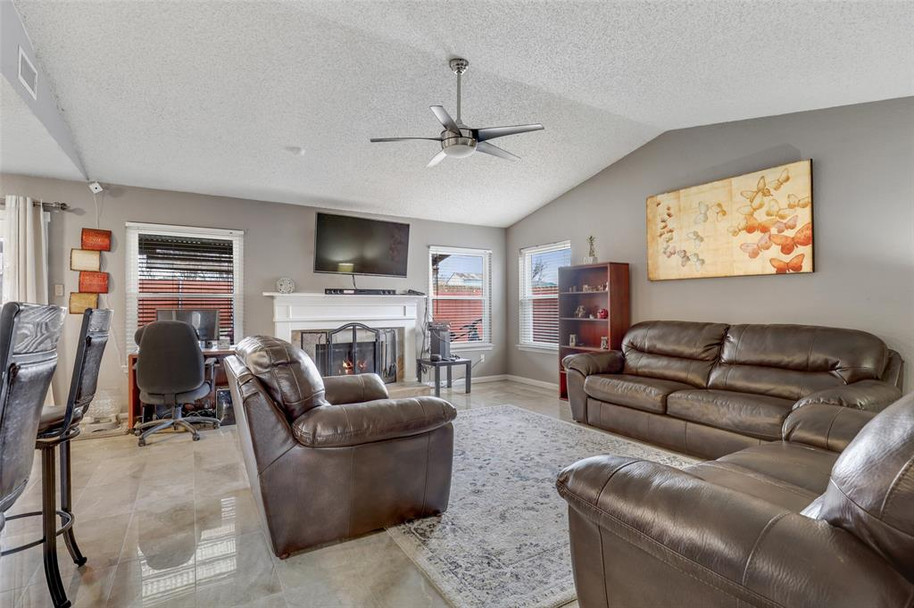 Sold Property | 2409 Highmont Drive Garland, Texas 75041 4