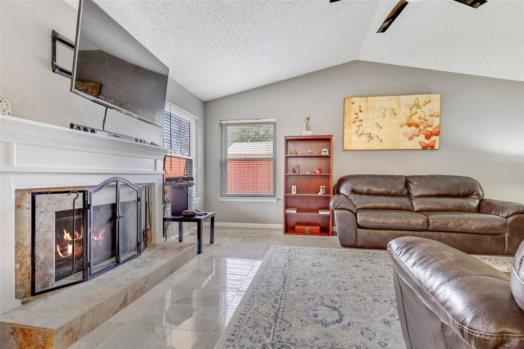 Sold Property | 2409 Highmont Drive Garland, Texas 75041 5