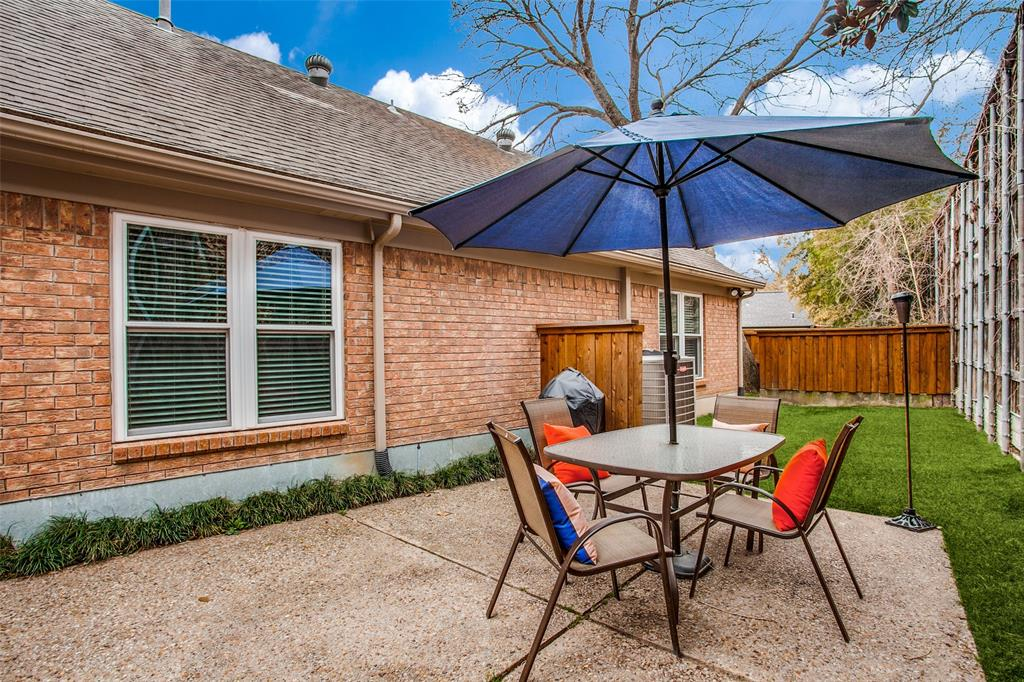 Pending | 2862 Lawtherwood Place Dallas, Texas 75214 22