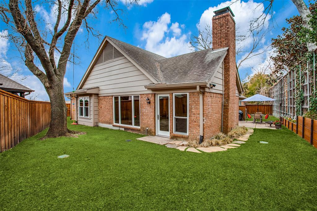 Pending | 2862 Lawtherwood Place Dallas, Texas 75214 23