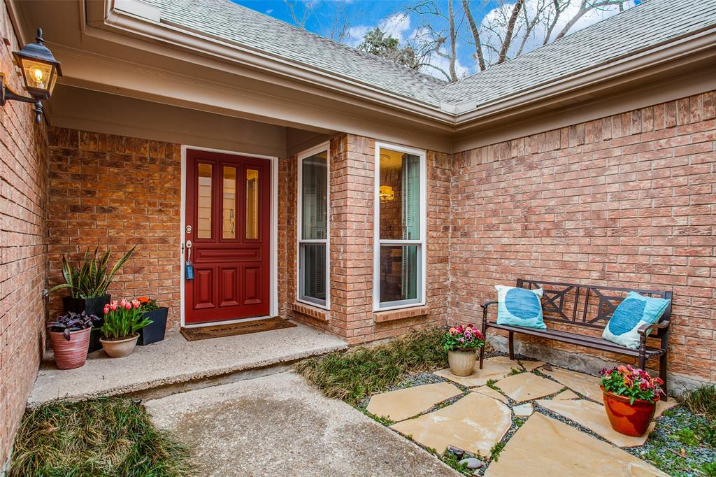 Pending | 2862 Lawtherwood Place Dallas, Texas 75214 2