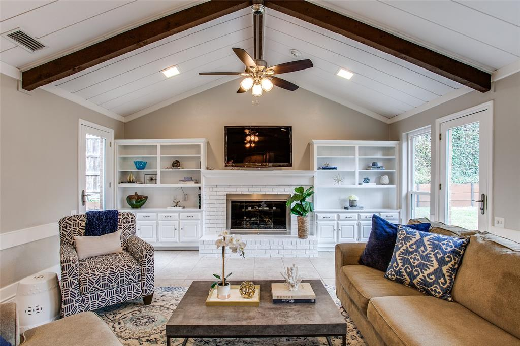 Pending | 2862 Lawtherwood Place Dallas, Texas 75214 7