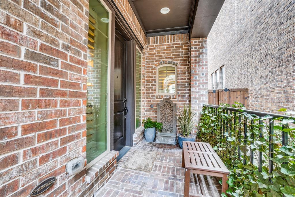 Pending | 8644 Thorbrush Place Dallas, Texas 75238 2