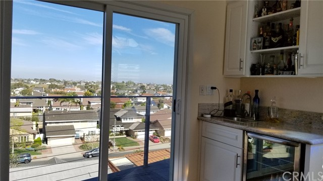 Active | 1410 Diamond Street Redondo Beach, CA 90277 18