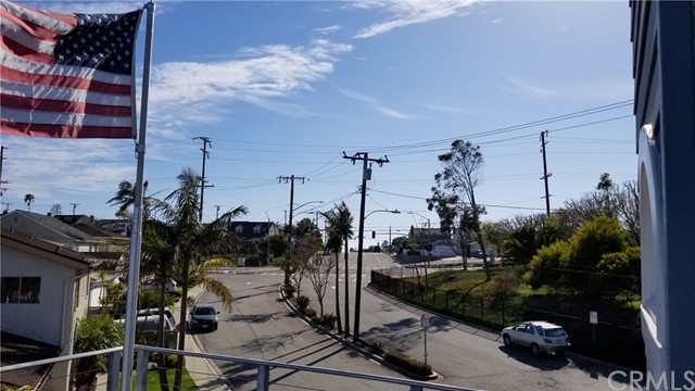 Active | 1410 Diamond Street Redondo Beach, CA 90277 6