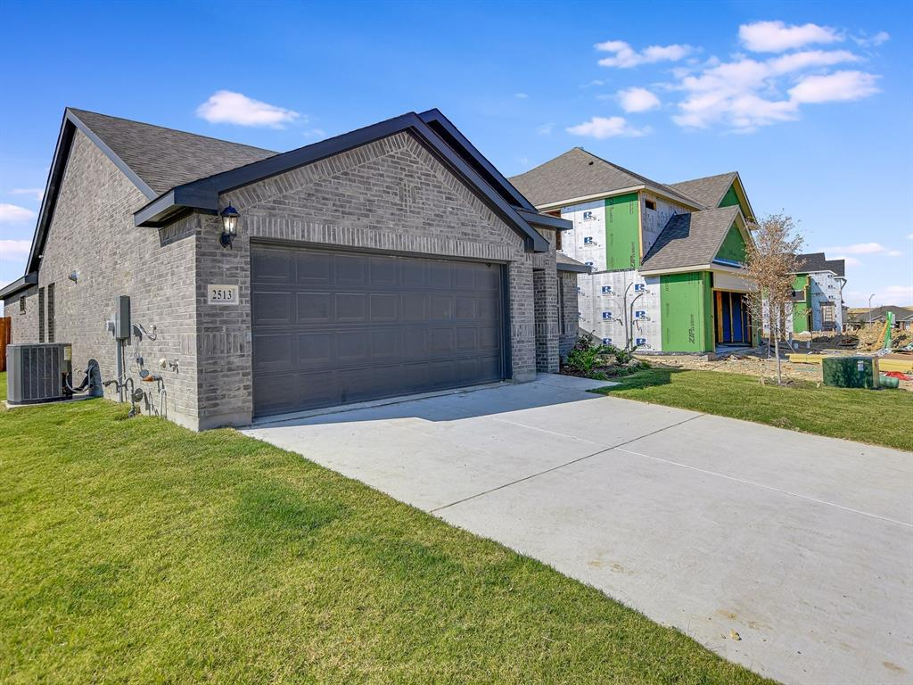 Active   2513 Sinopa Street Fort Worth, Texas 76179 1