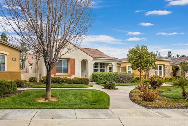 Pending | 1548 Quiet Creek Beaumont, CA 92223 4