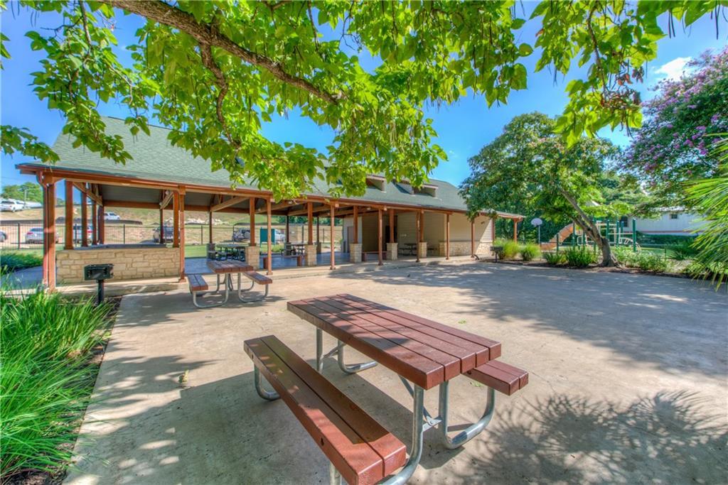 Pending | 3921 Canyon Glen Circle Austin, TX 78732 31