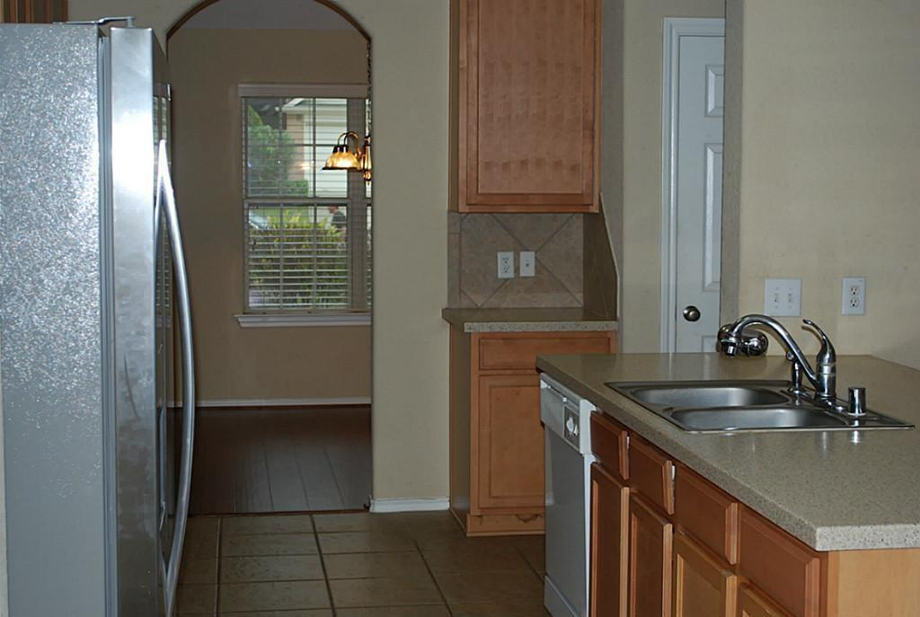 Active   11 Sage Creek Place The Woodlands, Texas 77382 6