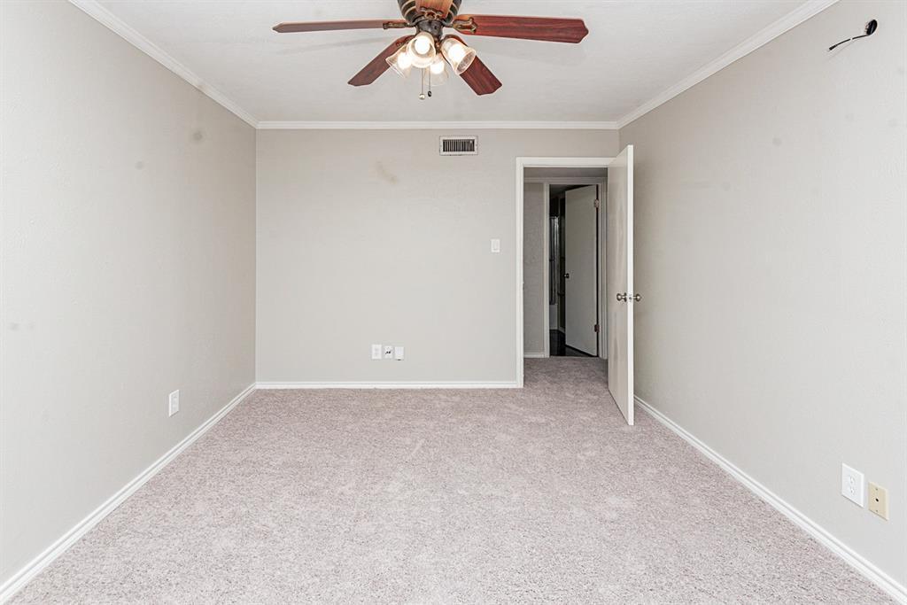 Active | 6500 Greenspring Drive Arlington, Texas 76016 12