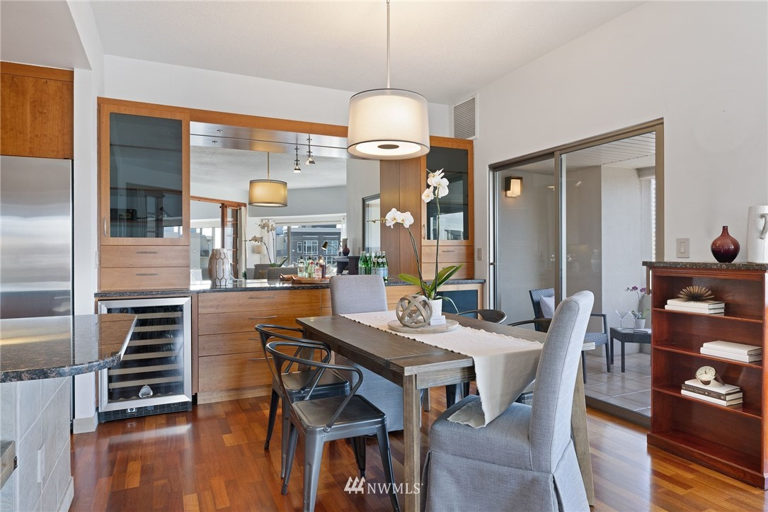 Sold Property   2821 2nd Avenue #905 Seattle, WA 98121 16
