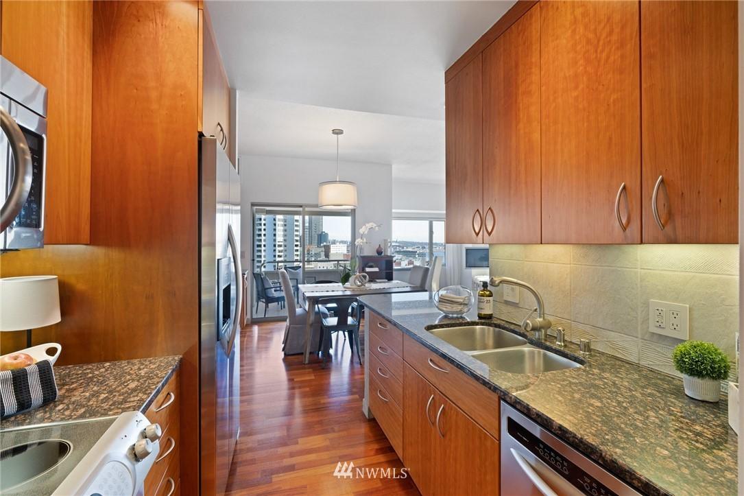 Sold Property   2821 2nd Avenue #905 Seattle, WA 98121 18