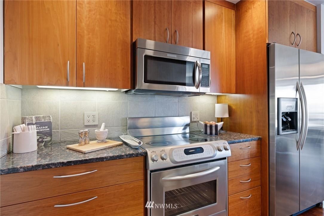 Sold Property   2821 2nd Avenue #905 Seattle, WA 98121 19