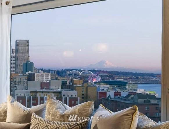 Sold Property   2821 2nd Avenue #905 Seattle, WA 98121 14