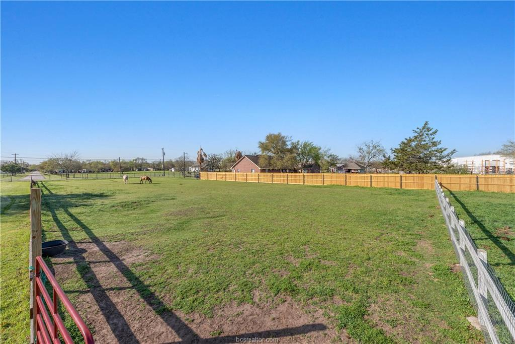 ActiveUnderContract | 1850 W 28th Street Bryan, TX 77803 38