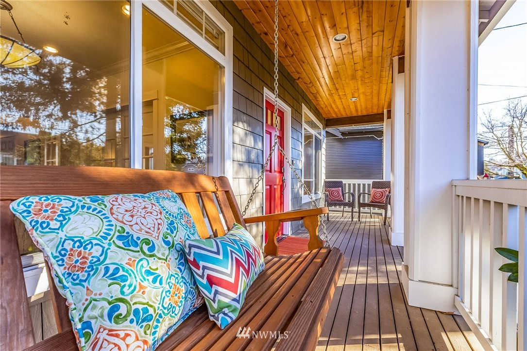 Sold Property | 304 29th Avenue E Seattle, WA 98112 1