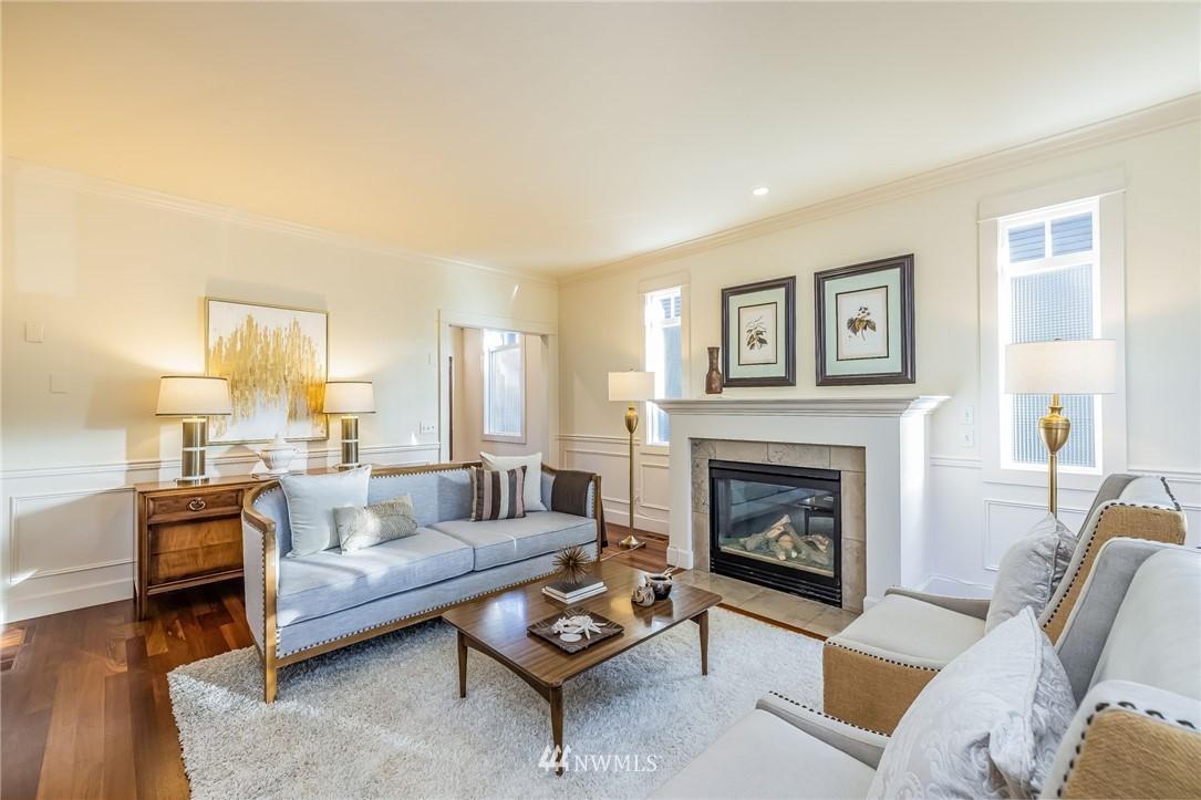 Sold Property | 304 29th Avenue E Seattle, WA 98112 2