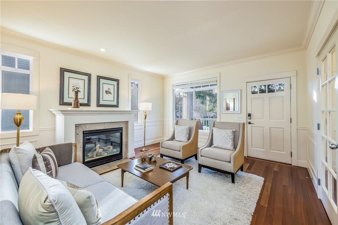 Sold Property | 304 29th Avenue E Seattle, WA 98112 3