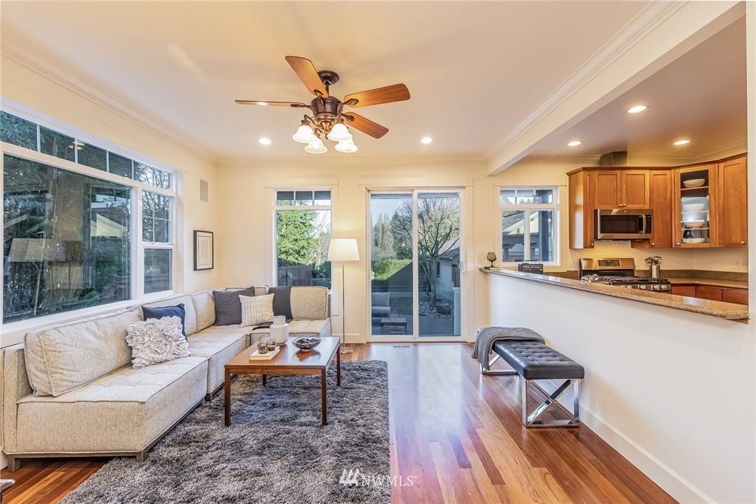 Sold Property | 304 29th Avenue E Seattle, WA 98112 11