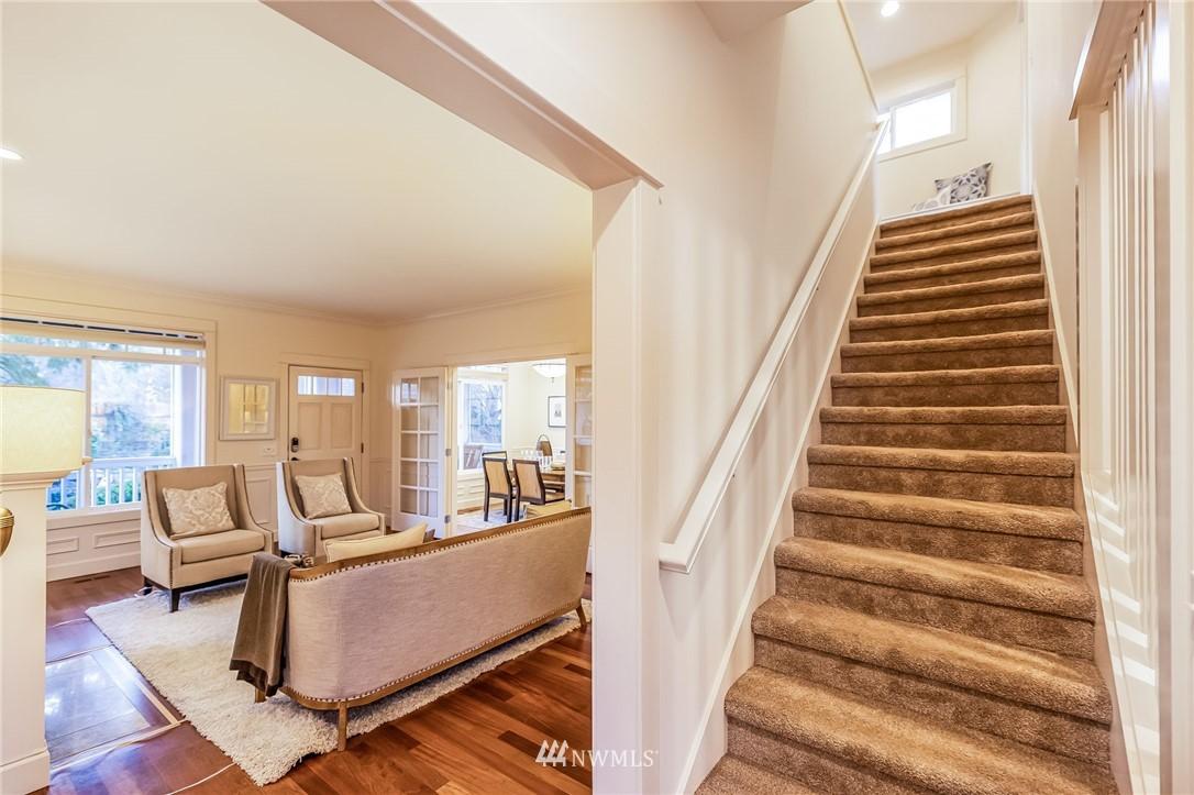 Sold Property | 304 29th Avenue E Seattle, WA 98112 16