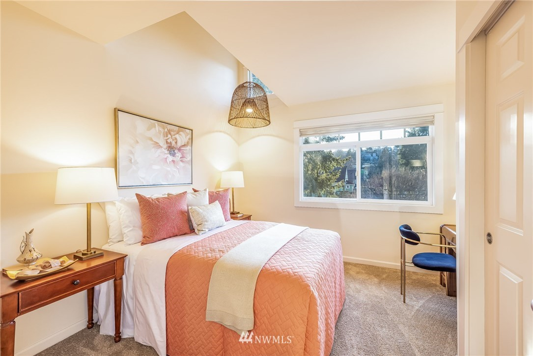Sold Property | 304 29th Avenue E Seattle, WA 98112 22