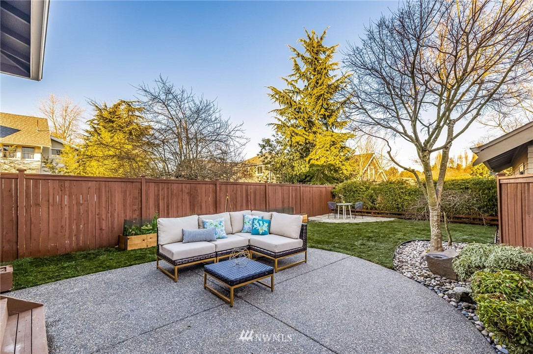 Sold Property | 304 29th Avenue E Seattle, WA 98112 29