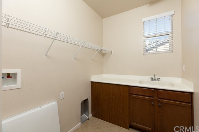 Pending   112 Gaeta Court Beaumont, CA 92223 18