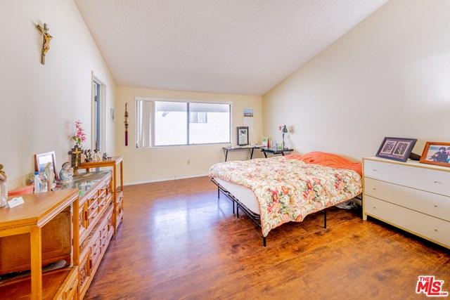 Pending | 17037 S Vermont Avenue #102 Gardena, CA 90247 18