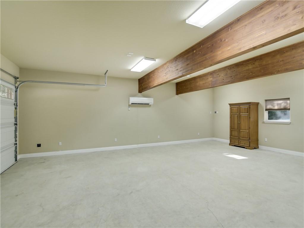 Closed   1802 S Austin Avenue Georgetown, TX 78626 35