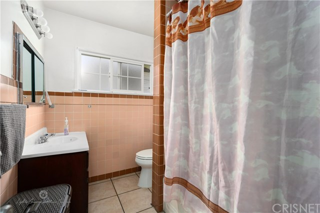 Active Under Contract | 811 W 99th St Los Angeles, CA 90044 10