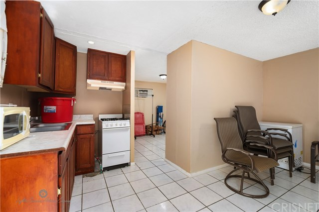 Active Under Contract | 811 W 99th St Los Angeles, CA 90044 12